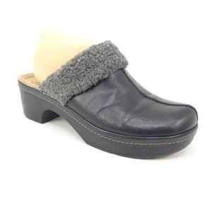 Clarks Collection Black Leather Sherpa Trim Clogs